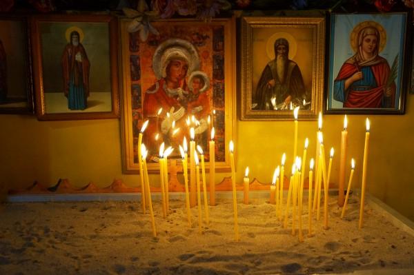 Свещи в българската църква в Милано