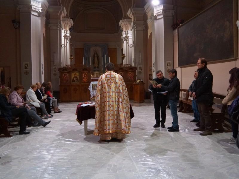 Служба на Разпети петък в българската църква в Милано, 10.04.2015 г., сн. Яна Гергова