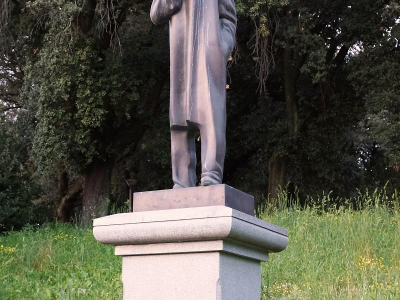 Паметникът на Иван Вазов на пл. Торвалдсен в Рим, сн. Яна Гергова