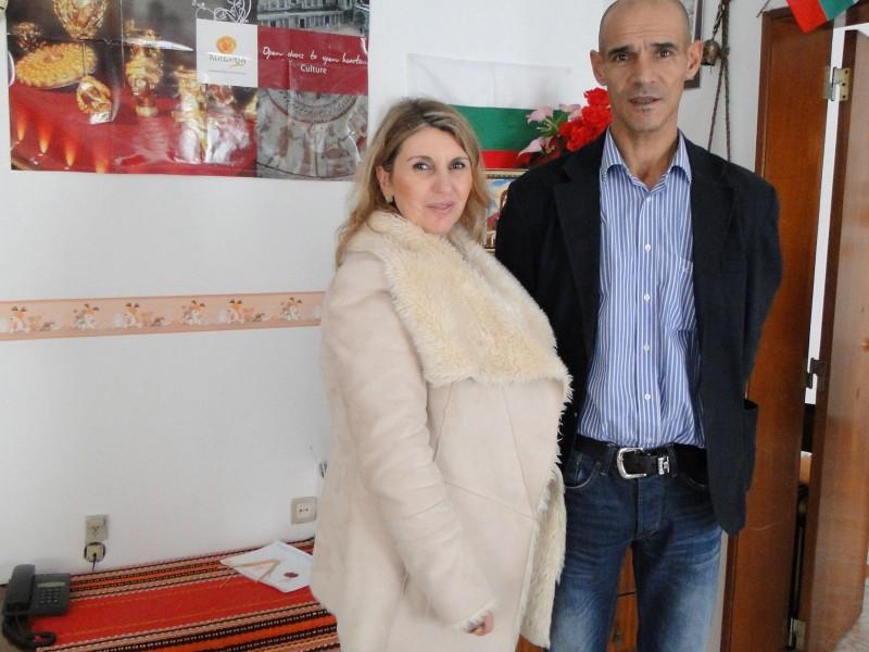 Директорката на Българското училище и Председателят на Португалско-българската асоциация в гр. Лисабон