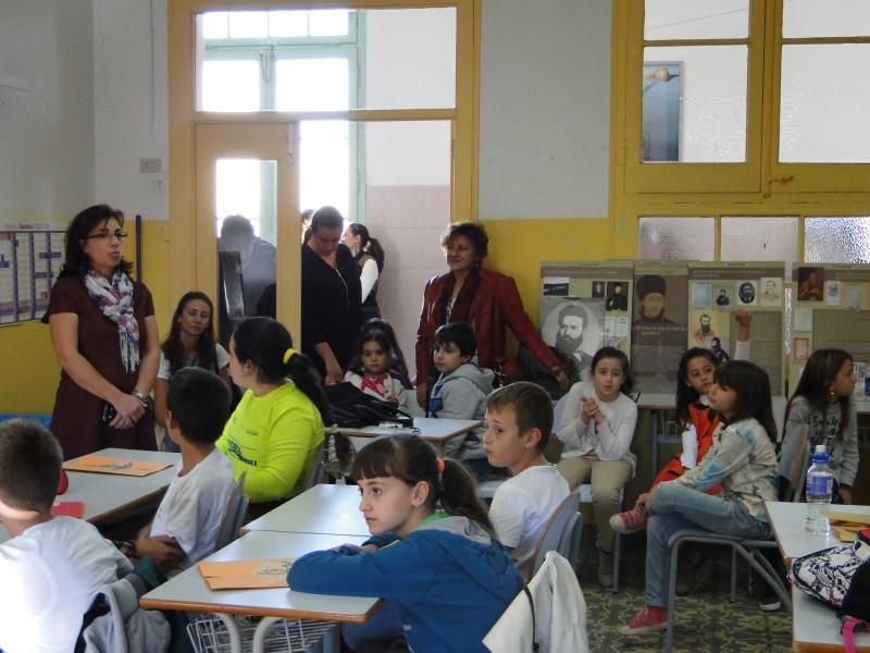Отбелязване на Деня на будителите в Българското училище в гр. Барселона (сн. Николай Вуков)