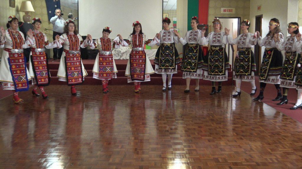 "Танцов състав ""Хоро"", Мелбърн, сн. А. Авджиева"
