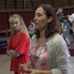 """Жулиета Ралинска и Красимира Бешева – преподавателки в училище """"Слънчо"""", след репетицията на децата за концерта на 3 март"""